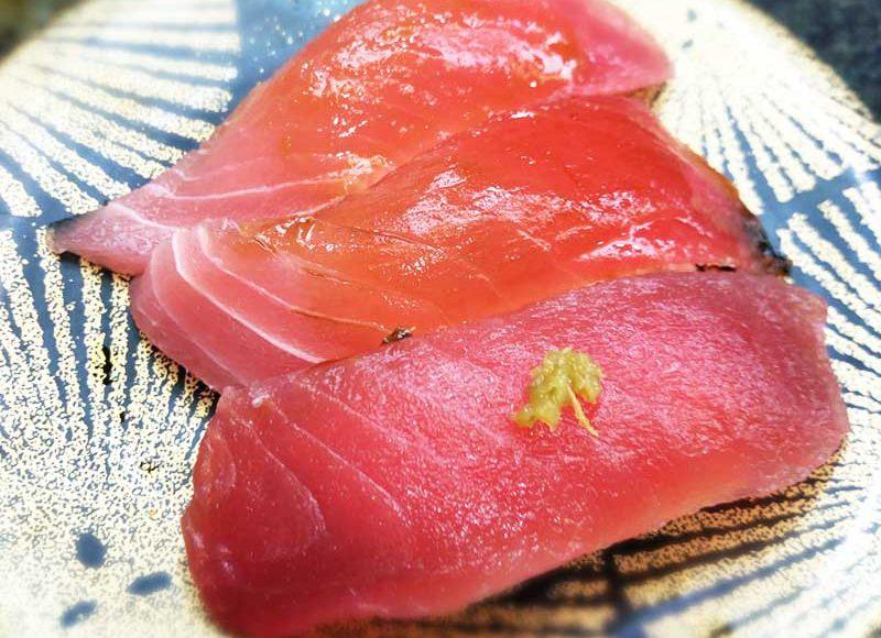 【江ノ島三崎港】期間限定熟成まぐろ盛り450円!回転寿司レベルを超えた高コスパ!