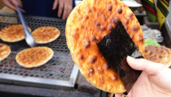 【手焼きせんべい雷神堂】北鎌倉・鎌倉間のおすすめ食べ歩きグルメ!徒歩40分の栄養補給にどうぞ!