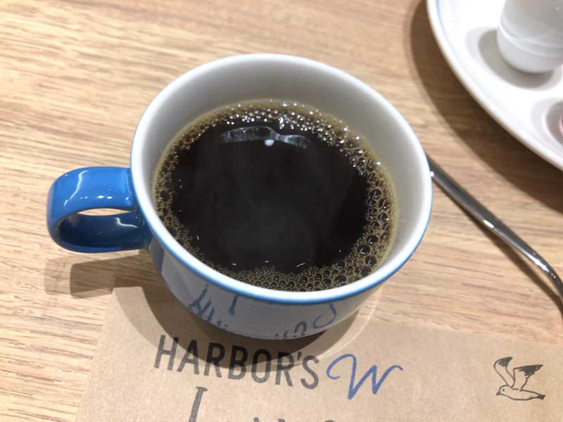 夜景を見ながらコーヒー