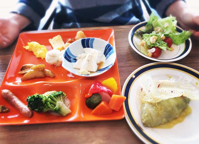 【大磯プリンスホテル・朝食ビュッフェ】目玉は焼き立てしらす入りオムレツ!しらす入りお粥もおすすめ!