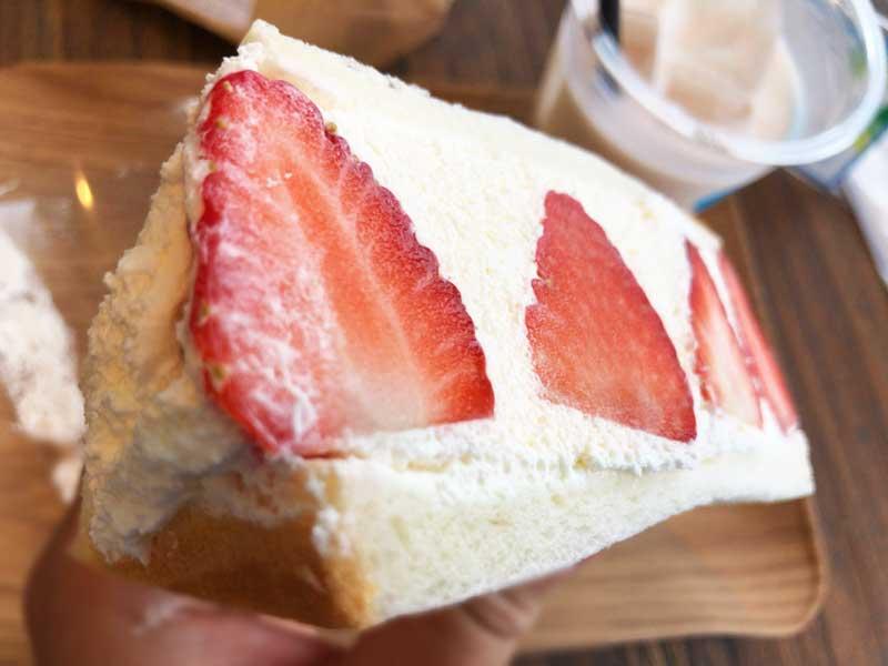 苺とクリームがたっぷりだ!