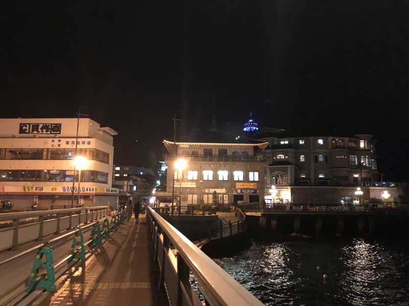 夜の江ノ島は橋を渡るのが寒くて辛い