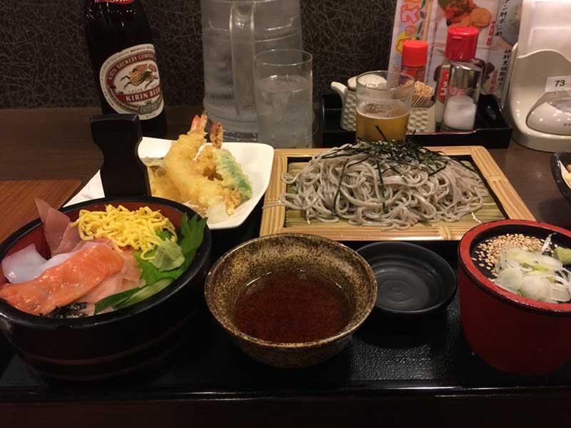 海鮮丼と天ざるのセット