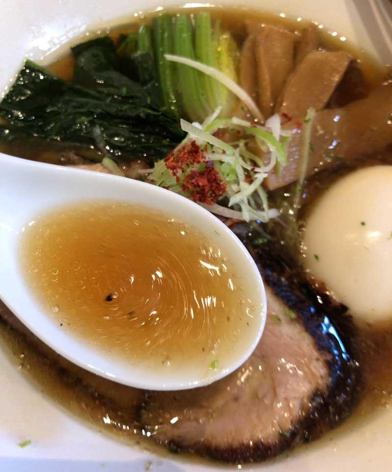 魚の出汁が効いた優しい醤油味