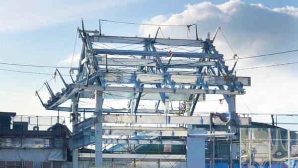 【2019初夏の江ノ島片瀬海岸】西浜で海の家の工事開始!海も駅も骨組みむき出しの異様な光景!