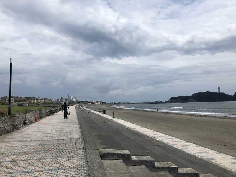 江ノ島に向かって快走