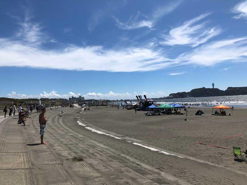 青い空と江ノ島