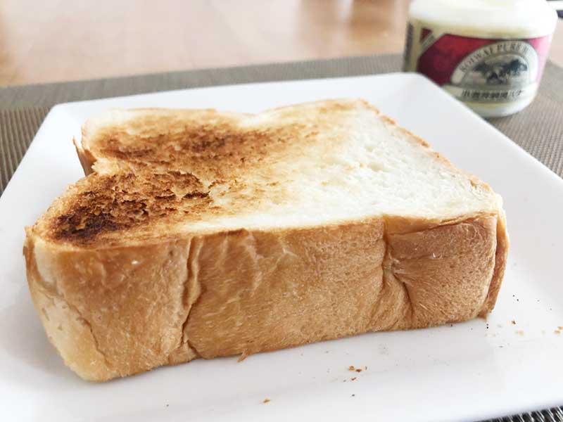 極上鎌倉生食パンを厚めに切ってトーストに