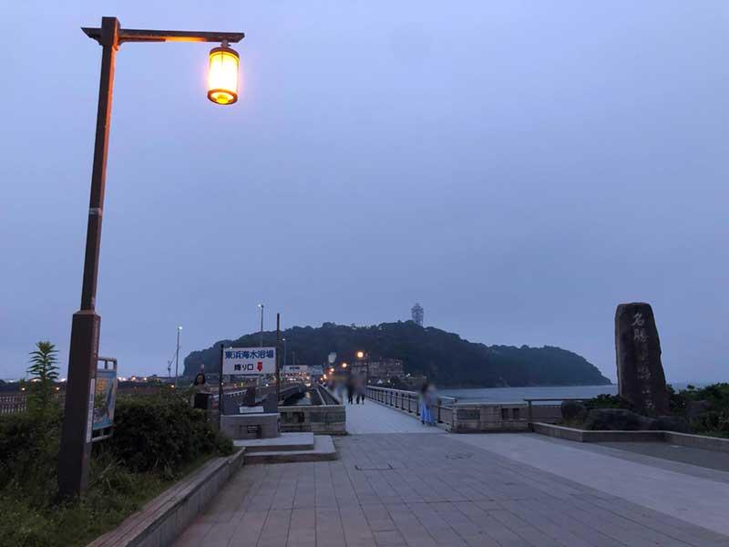 江ノ島大橋の入口の街灯がハリポタっぽい