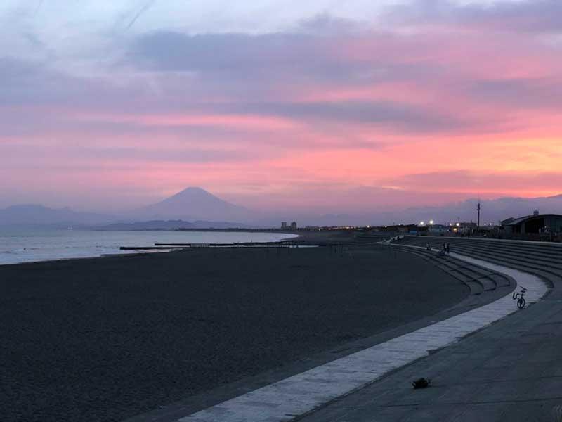 夕日がきれいな鵠沼海岸