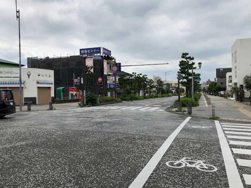 平塚南口の海岸通り