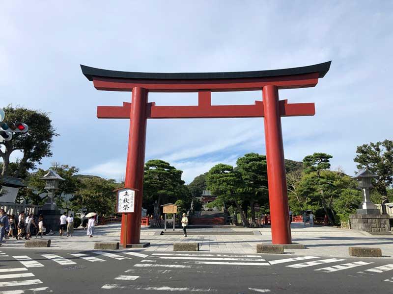 鎌倉八幡宮前の三の鳥居