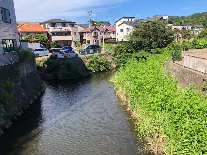 鎌倉を横断する滑川