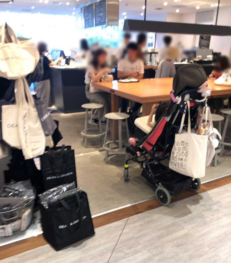 小田急デパート側はいつも混んでいる