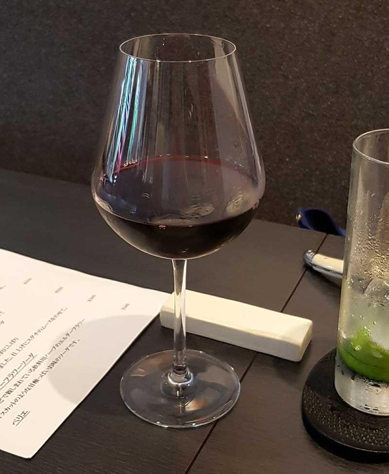 お肉に赤ワイン