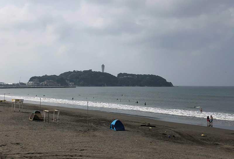 目の前はすぐ江ノ島