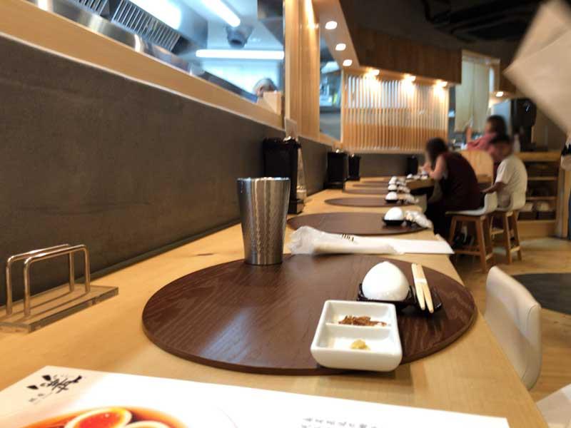 高級な和食割烹か寿司屋みたい