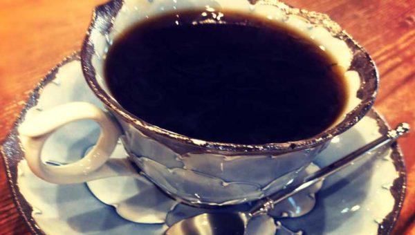 【自家焙煎珈琲・玄】鎌倉若宮大路の静かな穴場カフェ。好きなカップを選べるのが楽しい!
