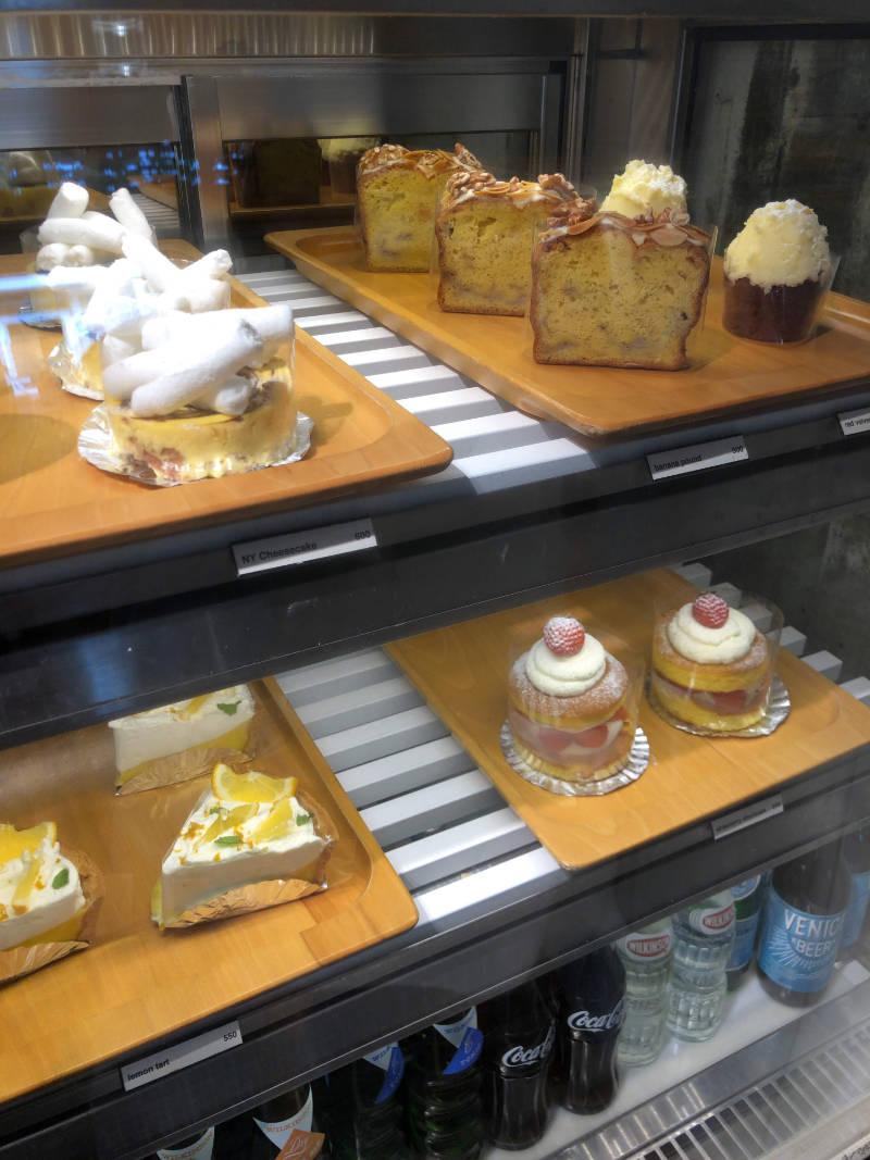 ケーキ類が充実している