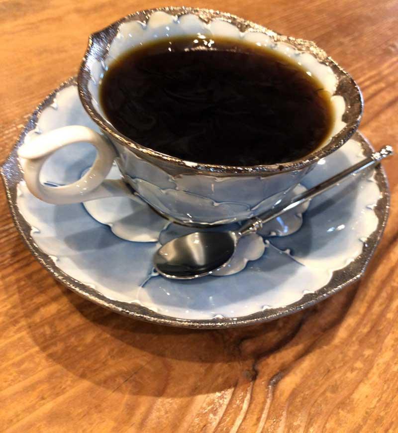 玄ブレンドを素敵なカップで