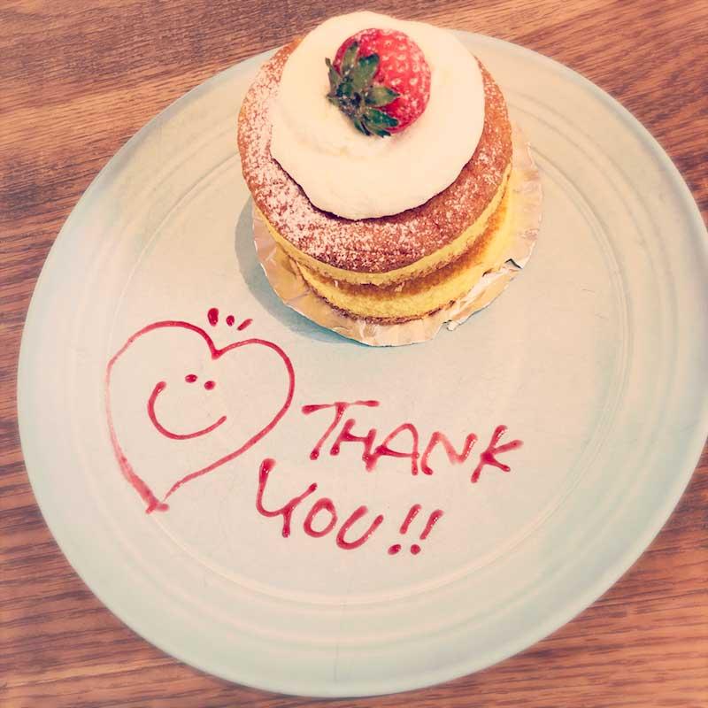 かわいい盛り付けのロンハーマンのショートケーキ