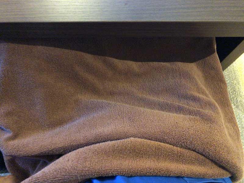 湯冷めしないように膝にタオルを