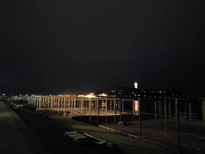 夜の片瀬海岸東浜