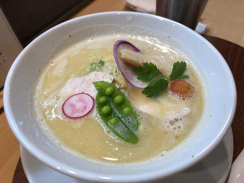 銀座篝の鶏白湯ラーメン