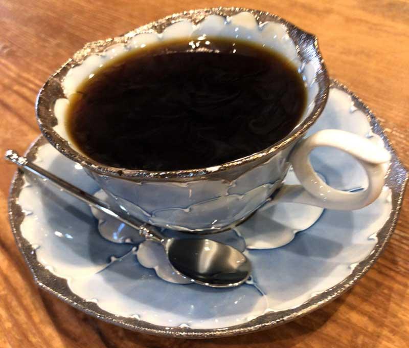 このアップルパイにはコーヒーが合う