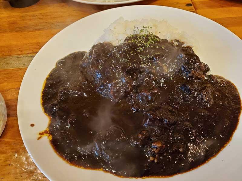 黒胡麻と黒酢とココア入りのカレー