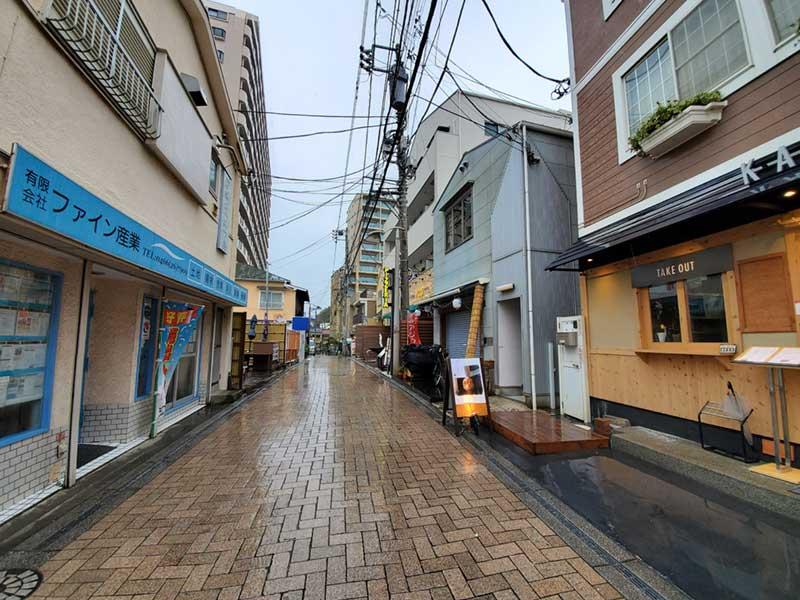 江ノ島スバナ通りも寒々しい