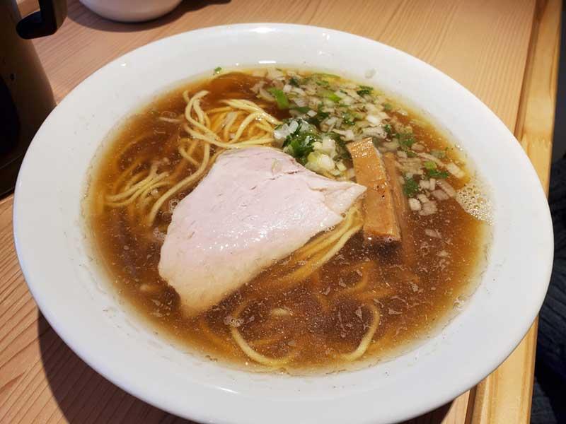 江ノ島らぁ麺の醤油ラーメン