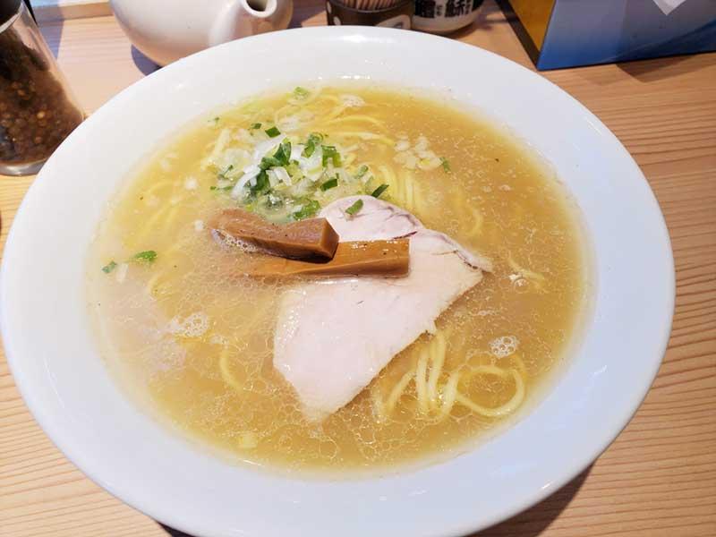 江ノ島らぁ麺の塩ラーメン