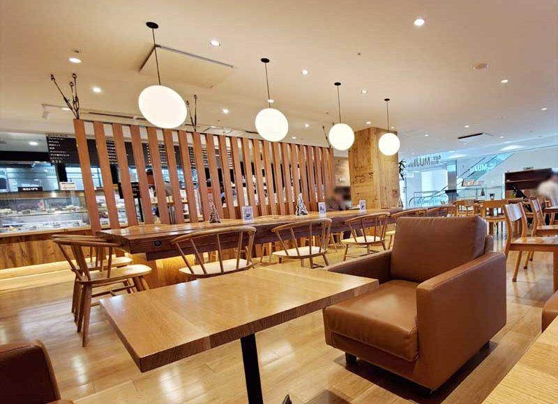 【ラスカ平塚・無印カフェ】駅直結の広い万能カフェ!ごはん・打ち合わせ・ノマドもできる!かなり混雑します!