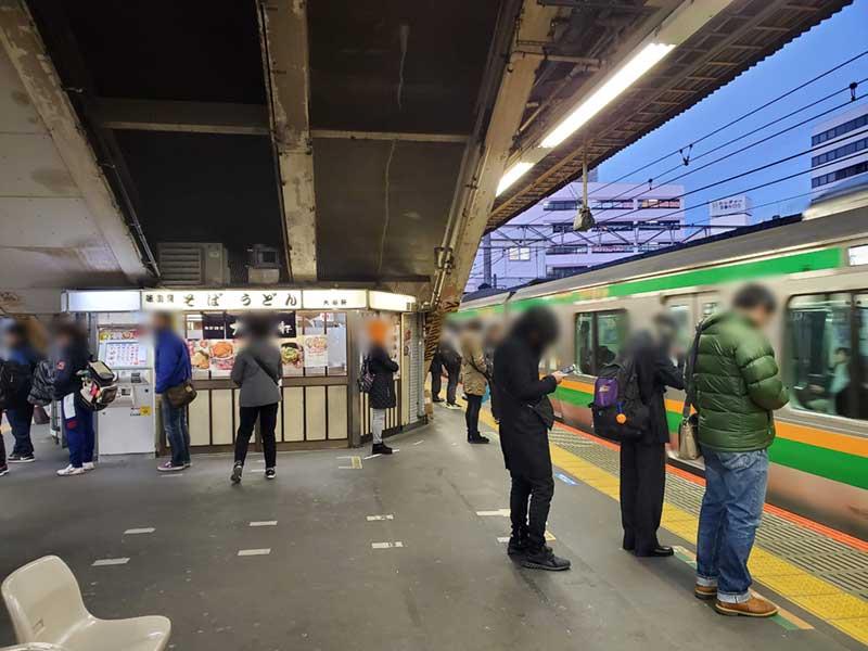 早朝のJR藤沢駅