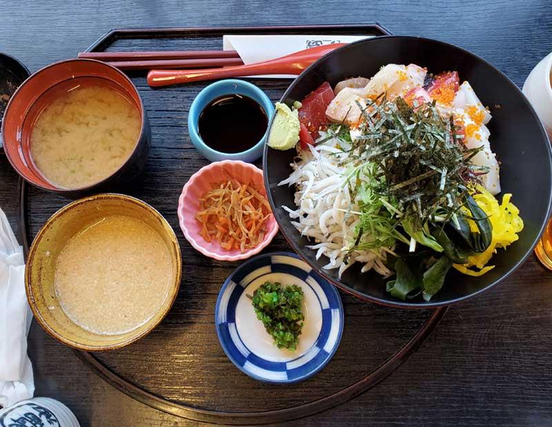 江之島亭の海鮮まかない丼