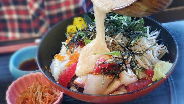 【江之島亭】オーシャンビューの寅さん撮影ロケ地でトロロ海鮮まかない丼と江島神社祈願水ビール!