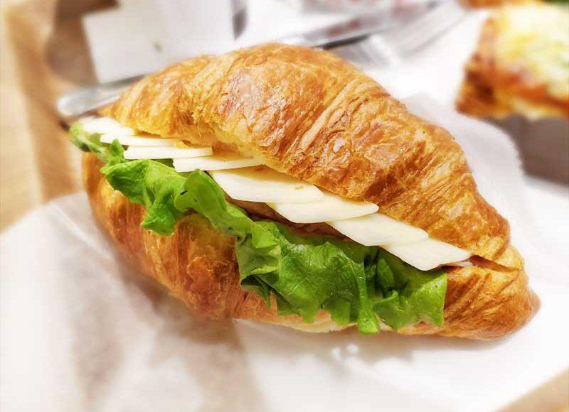 【茅ヶ崎Brioche Dore】映える朝食クロワッサンサンド!温かい季節限定ブリオッシュラザニア!