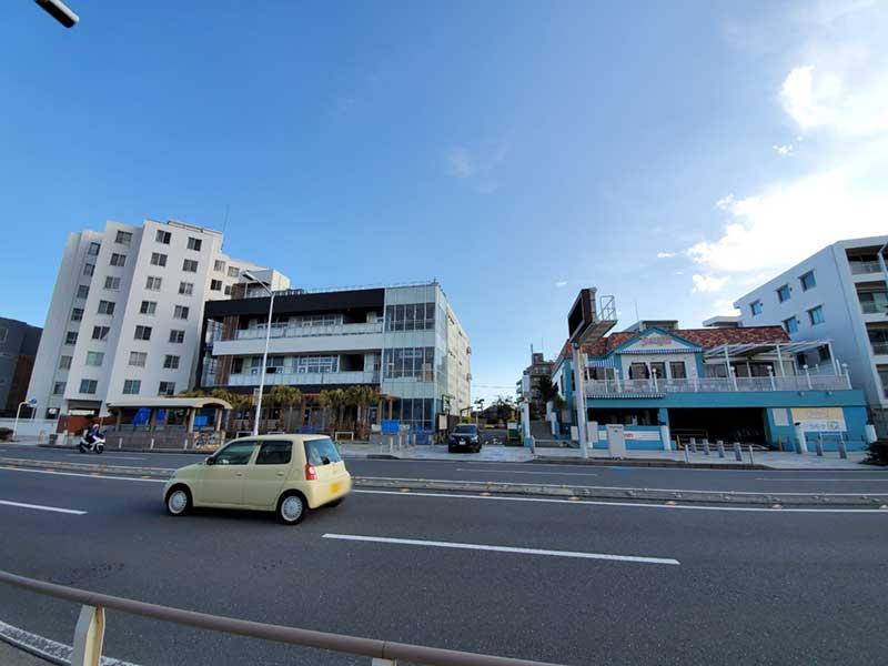 江ノ島デニーズのとなりの商業ビル