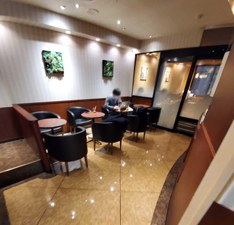 ドトール藤沢南口店の3階
