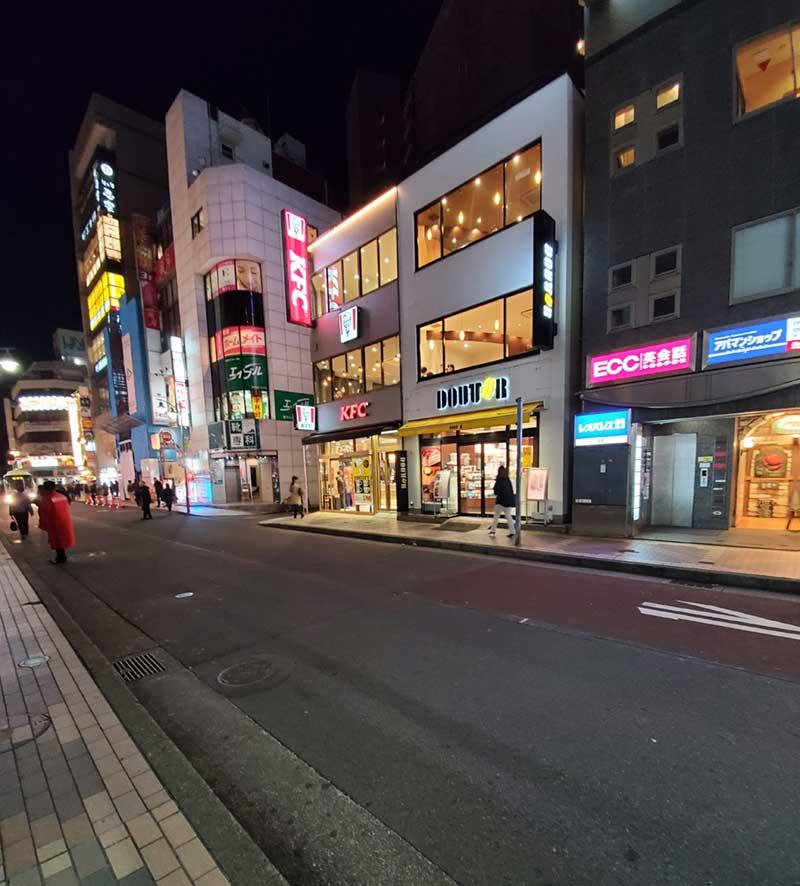 藤沢駅南口のオーケー通り