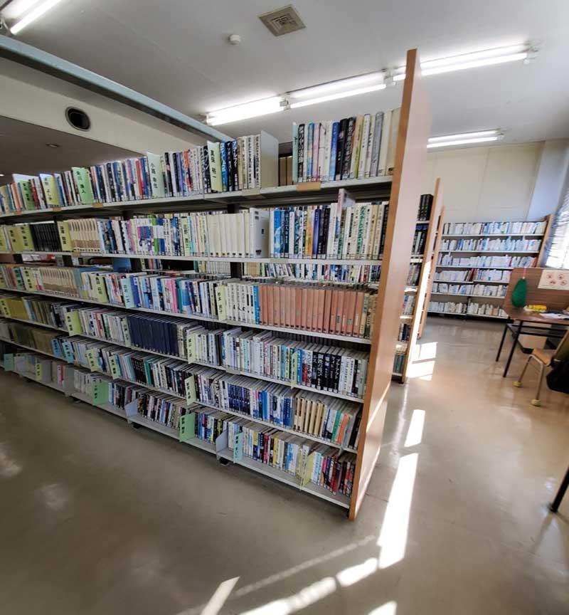 1階図書コーナー