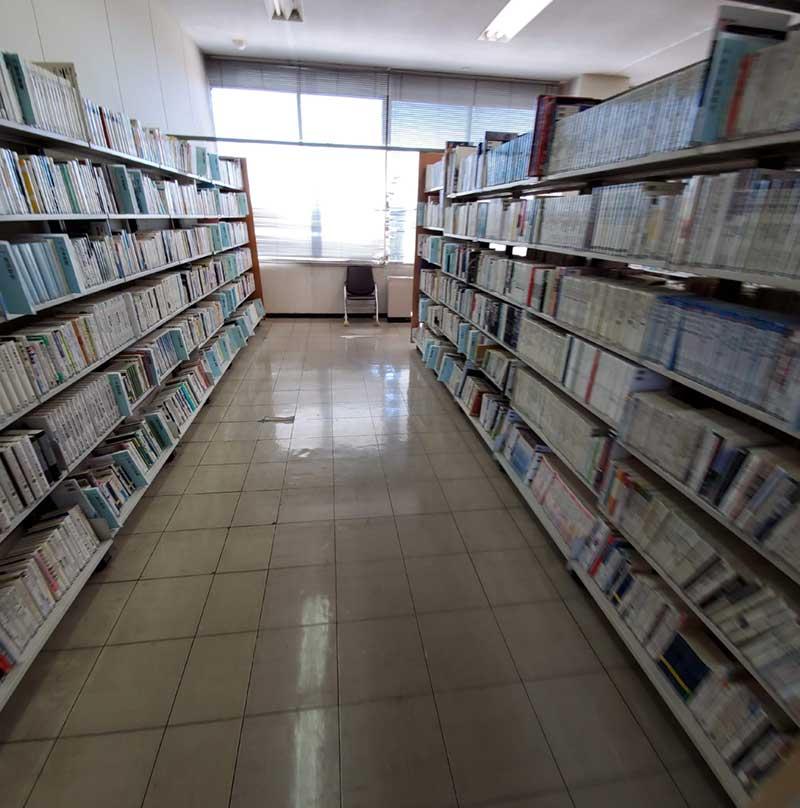 2階の図書コーナー