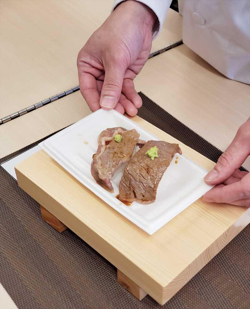これが葉山牛のにぎり寿司!