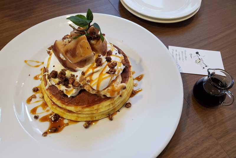 林檎キャラメルとマスカルポーネクリームのホットケーキ