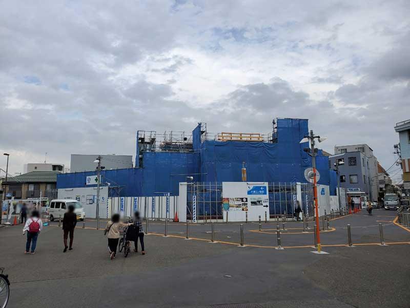 工事中の味気ない片瀬江ノ島駅