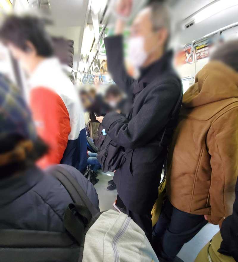 満員時の東海道線内はマスク率高め