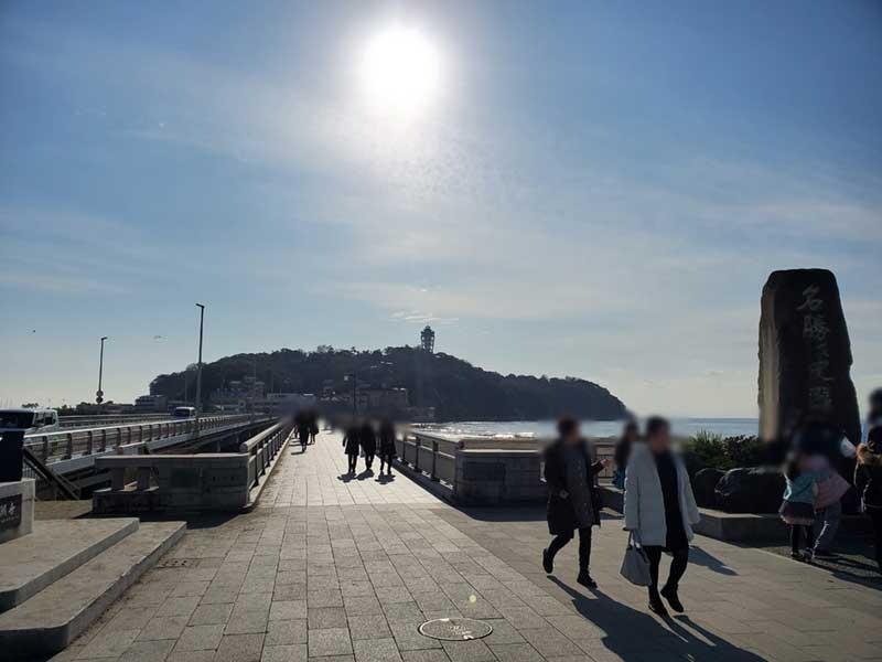 若い人が多い江ノ島のマスク率は低い