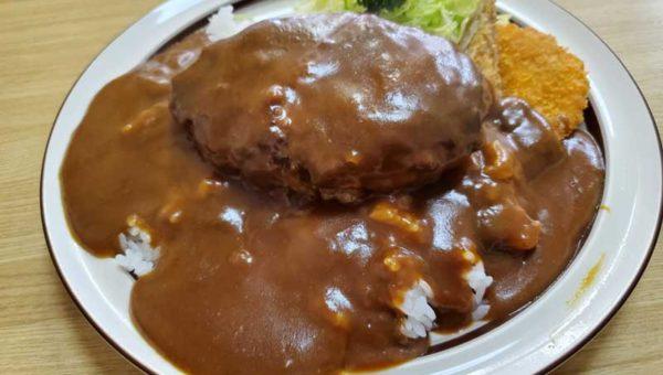 【平塚デカ盛り洋食ゾロ】肉汁たっぷり巨岩ハンバーグカレー!ご飯少なめで女性でも完食できる!