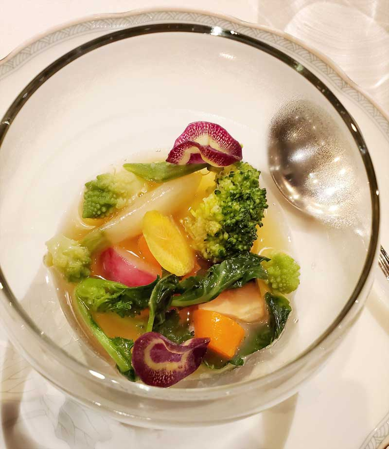 野菜とスープを一緒にいただける